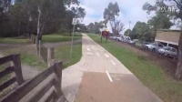 视频: Yarra Trail Riding
