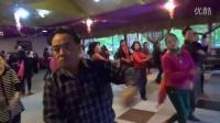 视频: 成都牡丹园和谐歌舞群集体舞(088)20151203 吉特巴 爱我中华 2:30 QQ号:374679732060
