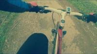 视频: 肯骑行冬季越野体验——田间小路之上坡