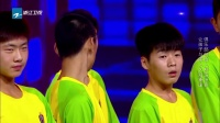 足球少年帅气登场 朝气蓬勃震撼观众 151213