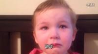 3岁小女孩有天决定当起小小理发师,结果。。