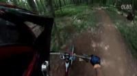 视频: Downhill mountain biking at Snowshoe West Virginia#高山自行车运动