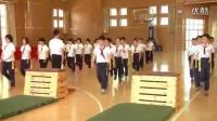 小学五年级体育与健康《跳箱:跳上成蹲撑,起立向前跳下及素质练习》教学视频,2014年优质课