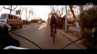 视频: 公路车自行车单车刷街 山狗运动摄像机拍摄 20151217B