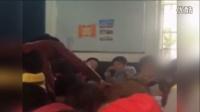 贵阳小学老师课堂上猛扇小学生并骂其贱