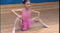 少儿芭蕾舞入门动作:腿部能力训练