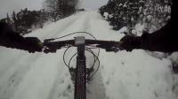 视频: 德国Schwalbe轮胎 Ice Spiker Pro 雪地胎测试