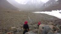 骑行在路上:转山,磕长头的藏族女人