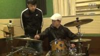 杨歌实拍,鼓王,赵牧阳老师,给学生正在上课,讲解打鼓技巧和调鼓方式