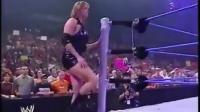 """WWE布洛克莱斯纳""""狂虐""""老板漂亮女儿 真"""