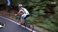视频: 山猫单车队队长张振龙井爬坡动作演示_高清