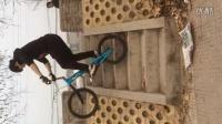视频: 雷雷 攀爬车