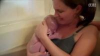 自然分娩视频无遮掩 外国人在水里生孩子的真实过程