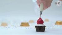 给纸杯蛋糕带上圣诞帽!【YouTube头条精选 搞笑】