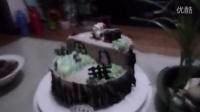 孙女滕予钤九岁生日的树桩造型蛋糕,爷爷滕富强拍摄。