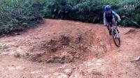 视频: 新车XTC SLR首试B道180度急转陡坡