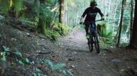 视频: 法国车手Yoann Barelli骑着CX公路越野车挑战加拿大山路