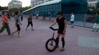 视频: 15年8月10日【独轮车学会跳上车-1】185325