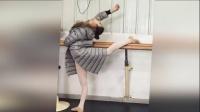 天津高校开启艺考序幕 考生舞蹈教室备场 160221