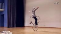 视频: 自行车杂技表演