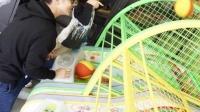 林志颖和kimi打电动游戏 享受欢乐父子时光 160304