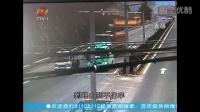 临海:重型自卸货车红绿灯口撞车后侧翻