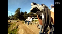 视频: GoPro HD Hero Camera: Bike Jump Sessions