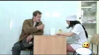 美女护士丝袜诱惑太邪恶了国外搞笑整人视频