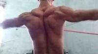 三角肌训练,拉力器侧拉伸#健身日记##运动...|小伍小忠
