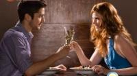 男人和女人吃饭 吃得越多就越喜欢