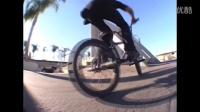 视频: BMX STREET - LAHSAAN KOBZA & MARK BURNETT 2016
