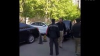 北京:顺丰快递员因剐蹭轿车 遭车主连扇耳光 司机没素质