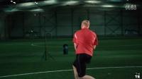 足球乒乓球技巧大战,你觉得哪个更强?