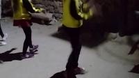 绥中坡山洞小美女跳舞