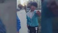 视频: 黑道学生打架,哈哈笑死我了,潮鞋团队诚招代理商qq2353776092