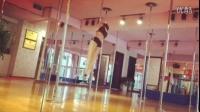 王筱沫:第一次穿高跟鞋跳钢管舞