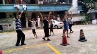 师奶广场舞排练:爱拼才会赢