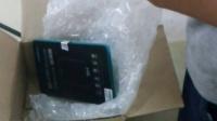 在闲鱼上买二手苹果,卖家却寄的是破旧三星手机和不能用的数据线