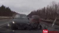 当前车踩了刹车,一定要提高警惕!