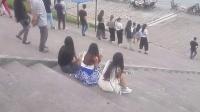 站街女成群拉客