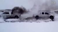 搞笑恶搞视频 2013最新【越野雪地上拼杀能笑翻你】