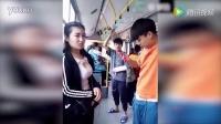 160523网罗天下 尴尬!小伙公交车上看美女看的鼻出血 女子一脸无奈