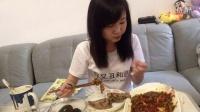 【2嘉嘉】九个粽子,六个皮蛋,半条鱼,两个蛋黄派,威化饼,果酱夹心饼 中国吃播