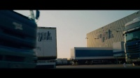 【猴姆独家】尼子Nicholas Hoult新片《极速之巅》首曝德国版预告片