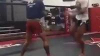 UFC选手Cris Cyborg 连续泰拳扫踢