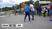 赞!里奥和街球冠军巴黎街头大玩花式足球