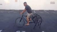 视频: 用脚代替自行车的后轮,这不是闲着蛋疼,这是发明创造