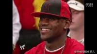 """勒布朗詹姆斯出现在了WWE贵宾席,赛后与""""战神""""高柏合影!"""