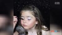 外国年幼小萝莉秀高超化妆术 网友大呼:输在起跑线上