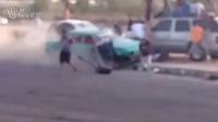 近距离感受车辆碾压一群人是什么场景